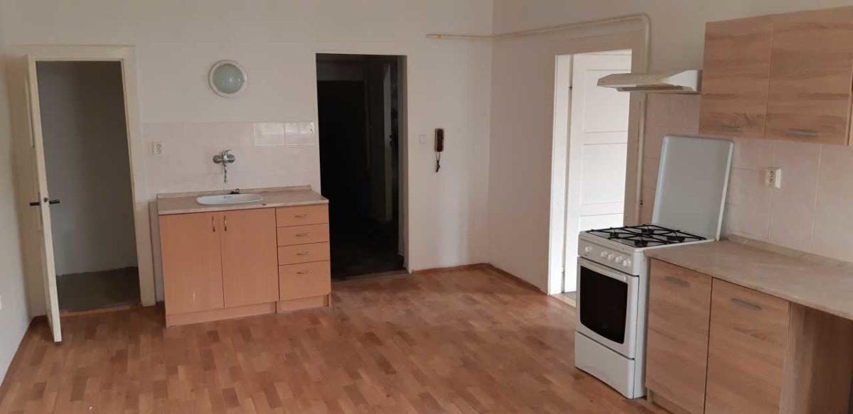 Pronájem bytu 1 + 1, Dobrovského 5