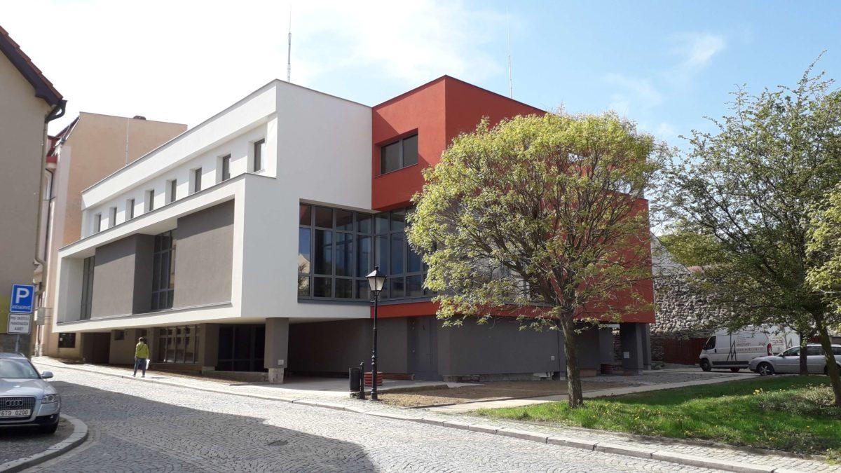 Kulturní dům I. etapa, rekonstrukce obvodového pláště přístavby Hotelu Praha vNovém Jičíně