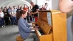piano-v-ulici-4.jpg